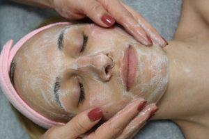 Gesichtsbehandlung Kosmetik Mettmann